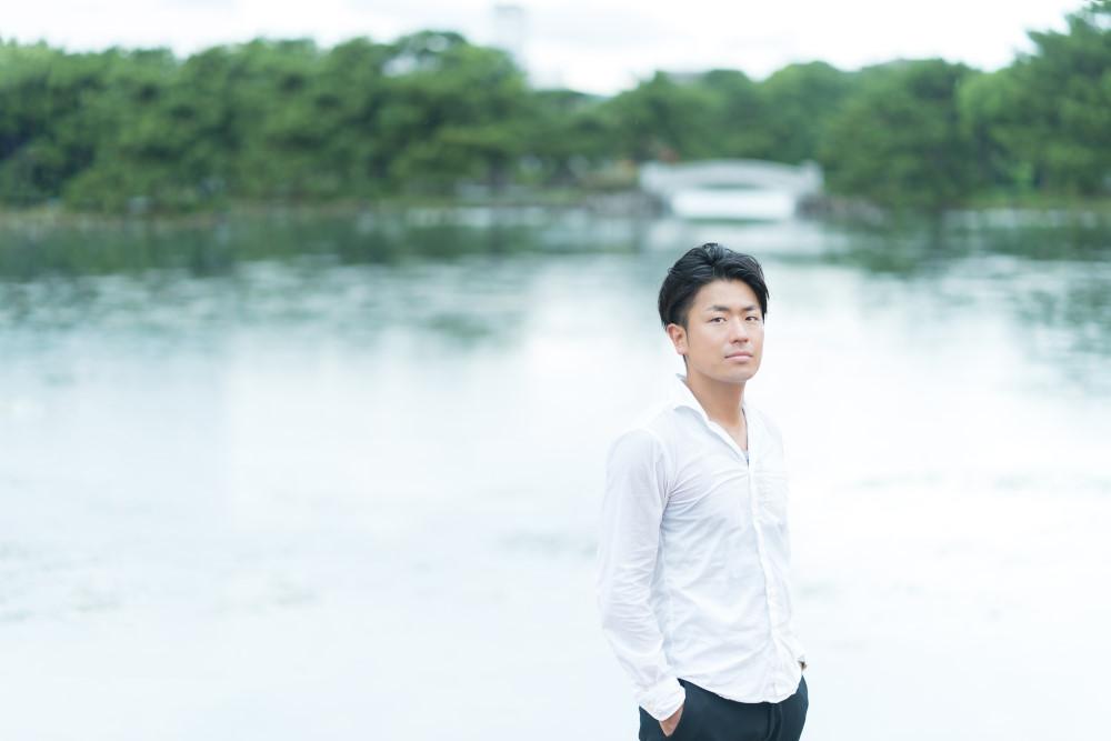 福岡の出張撮影サービス「RYO PHOTO(リョウフォト)」の出張カメラマン山口が福岡で出張撮影したプロフィールの写真