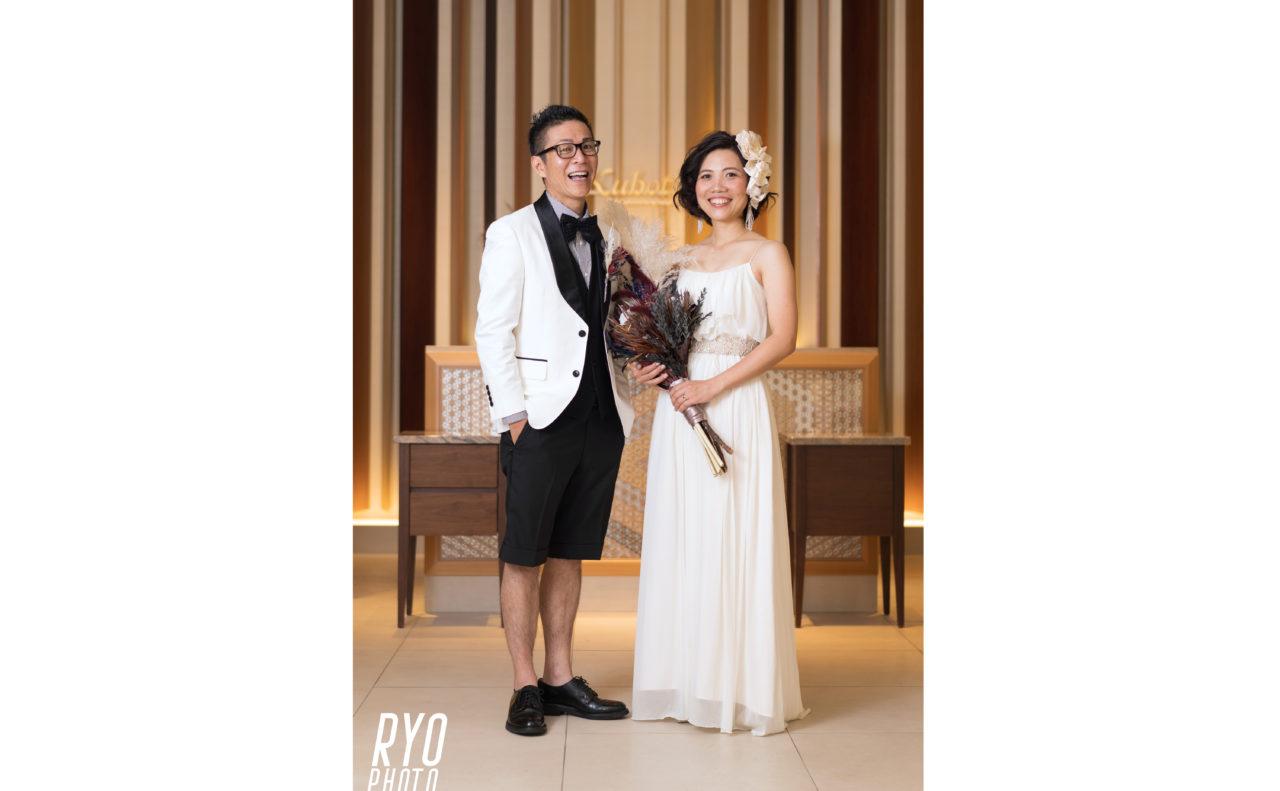 結婚式後のポーズ写真