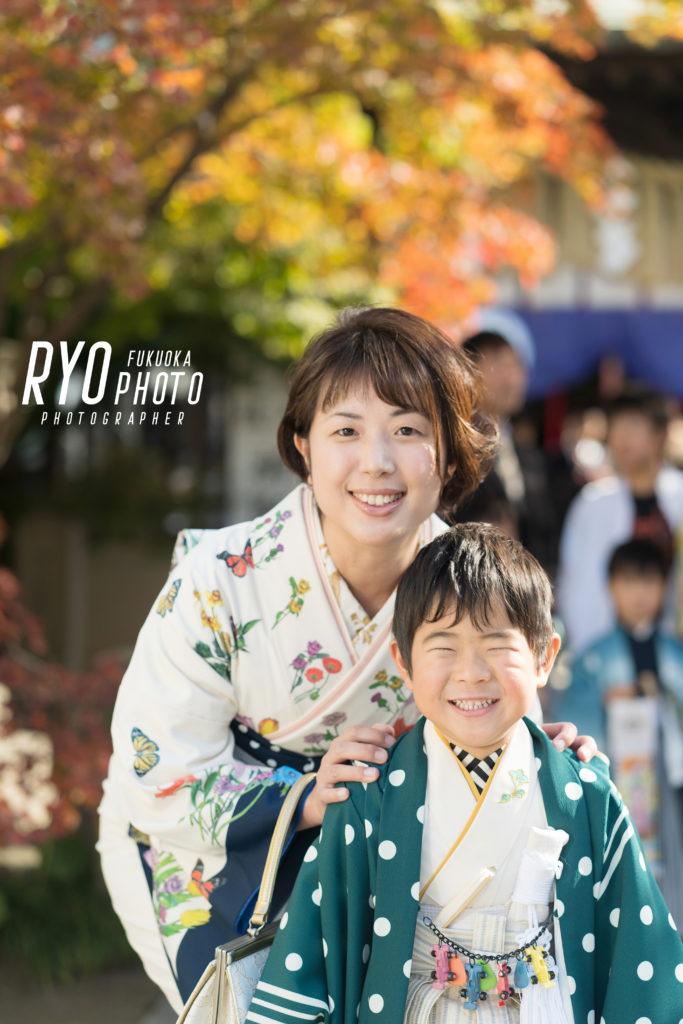 福岡の出張撮影サービス「RYO PHOTO(リョウフォト)」の出張カメラマン山口が福岡で出張撮影した七五三の親子写真