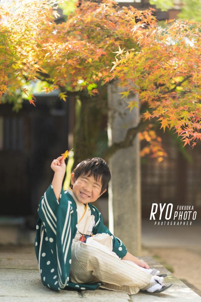 福岡の出張撮影サービス「RYO PHOTO(リョウフォト)」の出張カメラマン山口が福岡で出張撮影した七五三の男の子の写真
