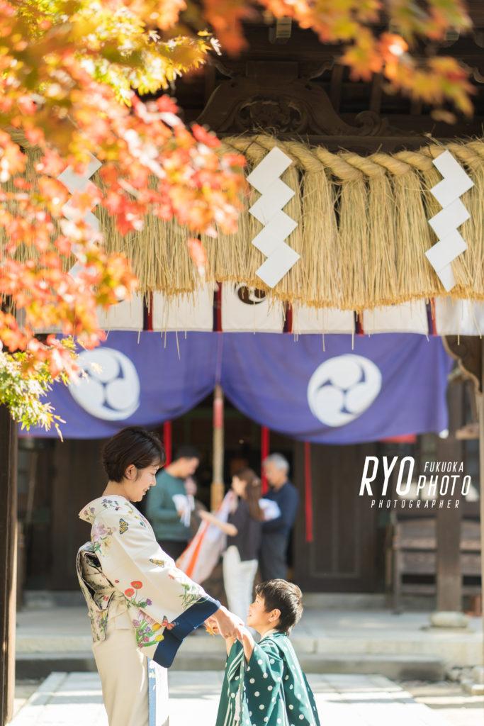福岡の出張撮影サービス「RYO PHOTO(リョウフォト)」の出張カメラマン山口が福岡で出張撮影した七五三の親子の写真