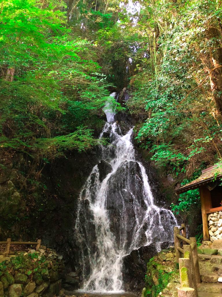 スマホで撮影した滝の写真